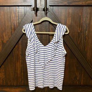 Women's EVEREVE v-neck viscose sleeveless top